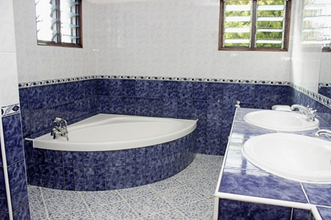 One of the bath rooms